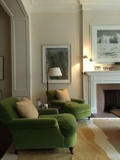 Wall colour Benjamin Moore Niveous A Spring-Inspired Whole-House Paint Palette - love this elegant living room with English style club chairs. Home Living Room, Living Room Decor, Living Spaces, Green Living Room Furniture, Living Room Ideas Uk, Living Room Colors, Accent Furniture, Kitchen Furniture, Casa Mix