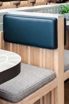 restaurant seating Farmer J restaurant in London boasts grey surfaces and green accents Restaurant Banquette, Restaurant Booth, Restaurant Seating, Restaurant Furniture, Restaurant Design, Pallet Seating, Booth Seating, Floor Seating, Cafe Seating