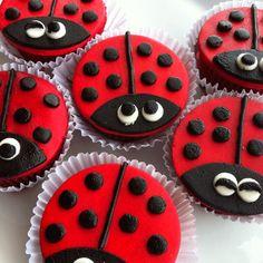 ladybug / ladybird iced biscuits / cookies