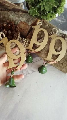 Xmas Crafts, Crafts For Kids, Place Cards, Place Card Holders, Cool Stuff, Winter, Christmas, Ideas, Xmas