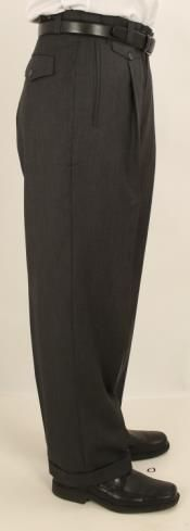 This solid plain charcoal grey color single pleated pant projects your individuality. Mens Wide Leg Trousers, Mens Slacks, Mens Leather Pants, Wide Leg Pants, Do Men, Men Wear, 1940s Mens Fashion, Stylish Mens Outfits, Mens Style Guide