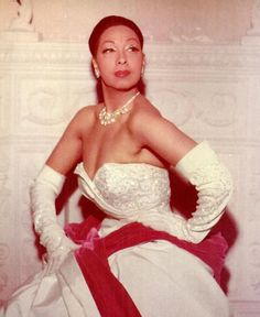 Josephine Baker is one of the most extraordinary people to ever grace the face of the earth. Josephine Baker was born Freda Josephine McDonald on June 1906 in St. Josephine Baker, Vintage Black Glamour, Vintage Beauty, My Black Is Beautiful, Beautiful People, Beautiful Things, Beautiful Women, Missouri, Anita Ekberg