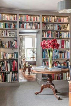 This is a dream of mine:to have the space,and the tomes,to create a book wall.Or walls.Yes,book walls would be even better!