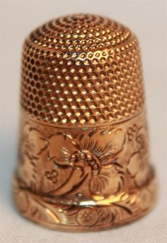 13k Yellow Gold Floral Flower Filigree Design Monogrammed Sewing Thimble Antique.