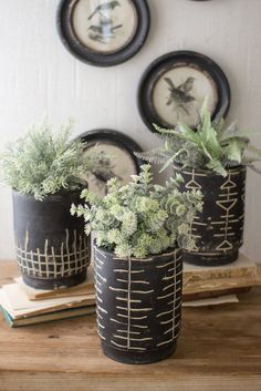 x of shippingThe Kalalou Black And White Clay Planters are elegant and stylish. These Clay planters from Kalalou will look all the more stunning when you contrast them with bright and green flowers or plants. Black Clay, White Clay, Boho Diy, Boho Decor, Earthy Decor, Casa Cook, Modern Minimalist House, Green Rooms, Painted Pots