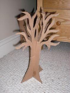 How to make a jewelry tree. Alice In Wonderland Jewelry Tree - Step 4 Key Jewelry, Hanging Jewelry, Jewelry Tree, Silver Jewelry, Silver Rings, Cardboard Tree, Cardboard Crafts, Jewely Organizer, Winnie The Pooh Honey