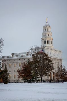The Nauvoo Temple - Church of Jesus Christ of Latter-day Saints. Nauvoo is home to the annual Nauvoo Pageant. The Nauvoo Pageant hosts thousands of visitors each year. Temple Pictures, Snow Pictures, Nauvoo Pageant, Nauvoo Temple, Mormon Channel, Tabernacle Choir, Home Temple, Temple Square, Salt Lake Temple