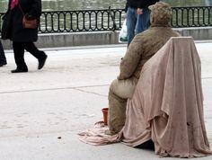 Human statue in #Madrid