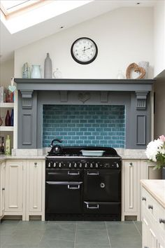 Bespoke cooker hood above Neptune Chichester kitchen, as seen in 'Ideal Home' magazine.