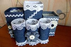 Moneybox of jeans ideas. Tin Can Crafts, Felt Crafts, Fabric Crafts, Sewing Crafts, Paper Crafts, Diy Crafts Hacks, Diy Home Crafts, Diy Arts And Crafts, Recycled Art Projects