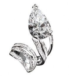 unique Scavia engagement ring, yet i do prefer the classic emerald cut.