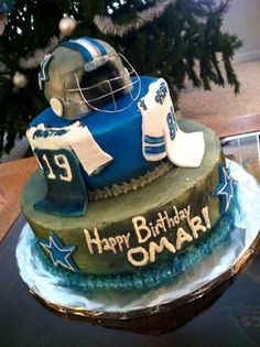Dallas cowboys cake by Layde Cakes