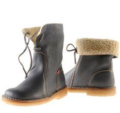 Duckfeet, Copenhagen for walking betty Looks Style, My Style, Beautiful Shoes, Pretty Shoes, Fashion Shoes, Mens Fashion, Shoe Boots, Shoe Bag, Mode Inspiration