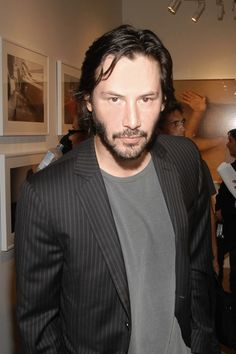 Keanu at a gallery