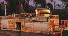 Backyard kitchen. HOLY SMOKEN BEANS! Sweeeeeeet!