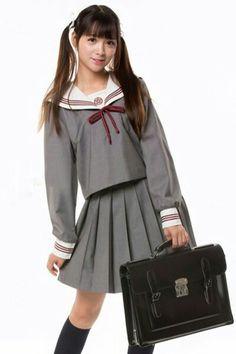 グレーJK女子高生セーラー学生服 胸当て星柄刺繍 赤3本ライン長袖通学服 正統派上質セーラー制服