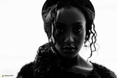 #Portrait #People #Porträt #Porträtfotografie #lowkey #Schwarzweiss Quelle: http://www.heise.de/foto/galerie/foto/Finann-0959b027aea31e5e8455ccf5447c5aec/