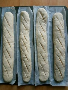 Recept z kvásku: Francúzske bagety - DANIELA RAU Oven, Bread, Food, Kitchen Stove, Meal, Essen, Hoods, Breads, Meals