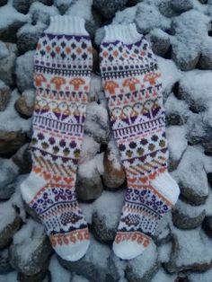 Knee High Socks, Knitting Socks, Crocheting, Knit Crochet, Autumn Fashion, Slippers, Knit Socks, Crochet, Fall Fashion