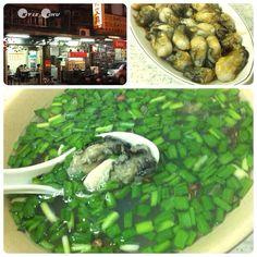 樂業街「阿母的店」料理蚵仔大又多,韭菜蚵仔湯讚。Taiwanese oyster set of Amu's #restaurant #Taiwan #food
