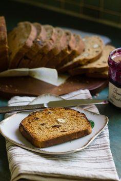 Pan integral con higos y pasas. 1 levado.