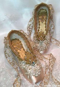 OOAK Gold Encrusted Keepsake Decorated Pointe Shoes, Sleeping Beauty, Cinderella, Sugarplum Fairy, Romeo and Juliette. Ballet Costumes, Dance Costumes, Ballerina Shoes, Ballet Shoes, 12 Dancing Princesses, Shoe Crafts, Princess Aesthetic, Decorated Shoes, Ballet Beautiful