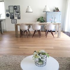 Shop the look: Scandinavisch gecombineerd met landelijk - Alles om van je huis je Thuis te maken | HomeDeco.nl Living Room Inspiration, Interior Inspiration, Dinner Room, Scandinavian Living, Modern Interior Design, Home Living Room, Home Fashion, Decoration, Sweet Home