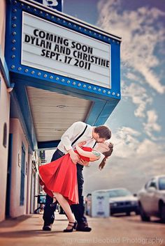 Fall Engagement Photo &  Save The Date Ideas / http://www.himisspuff.com/fall-save-the-date-engagement-photo-ideas/8/