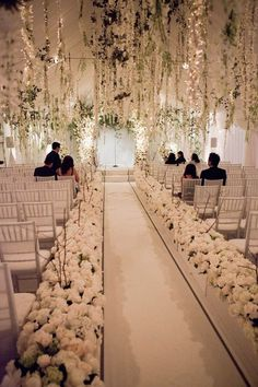 winter-wedding-ideas-18-07272015-ky.jpg 640×960 Pixel