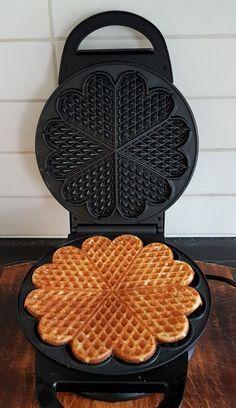 Gluten Free Baking, Gluten Free Recipes, Waffle Iron, Waffles, Food And Drink, Belgian Waffle Iron, Waffle, Gluten Free Menu
