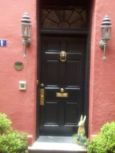 Charleston S.C. Door. Love the color and simplicity of this entrance.