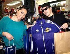 【大阪店】 2013年5月7日 仲良しカップルのタツキ様、リカ様!  プレゼントにキッズ用のTシャツをご購入頂きました! #nba