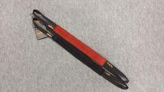 Gryzak ze skóry płaski, z dwoma uchwytami 4 x 35cm