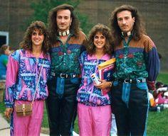 Top 17 des looks qui sentent bon les années 80, les heures les plus sombres de l'Histoire de la mode