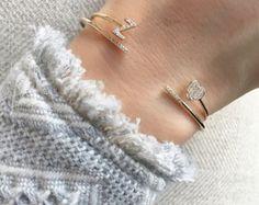 Diamant-offene Manschette Armband von LettersbyZoe auf Etsy