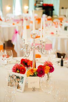 Bunte Vintage Hochzeit im Schloss in rot orange pink | Hochzeitsblog - The Little Wedding Corner