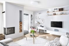 Living At Home, Living Room, Winter Light, Gallery Wall, Home Decor, Table, Pictures, Decoration Home, Room Decor