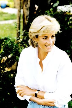 Diana, Princess of Wales, touring Bosnia on 9 August 1997 as part of her campaign against land mines.She visited people whose limbs have been blown off by these devices.