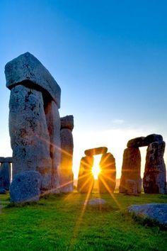 Sunrise at Stonehenge, Amesbury, Wiltshire, England