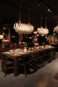 Find here Luxxu's restaurant lighting inspirations selection to inspire your next home decor project. Check more modern luxury pieces at luxxu.net