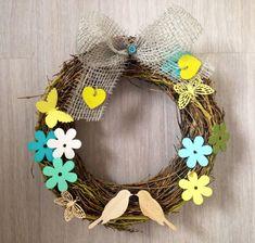 Jarní věnce na dveře Grapevine Wreath, Happy Easter, Grape Vines, Wreaths, Halloween, Spring, Design, Home Decor, Happy Easter Day
