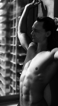 Tom as Loki<- WHEN WAS THIS?!?!?!?!?!?!?!?!?!