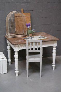 Tafels - Landelijke oude brocante tafels: eettafels salontafels kindertafels…