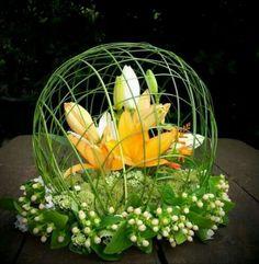 J'aime beaucoup les fleurs et certains centres de tables sont de véritables oeuvres d'art. En voici une petite sélection. La dernière est une spéciale dédicace à Fouji.Vous aimez ?