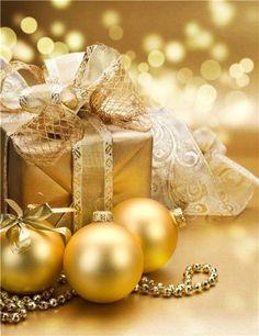 Ana Rosa ~ Silver and Gold Holiday Christmas Decoration Items, Christmas Gift Wrapping, Christmas Colors, Winter Christmas, Christmas Time, Christmas Wreaths, Merry Christmas, Xmas, Office Christmas