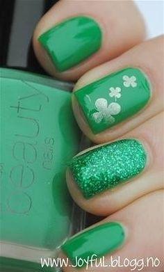 Green Nails Shamrocks snd Glitter St Patrick's Day