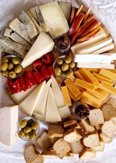 Party Food Platters, Vegetarian Recipes, Healthy Recipes, Wine Cheese, Wine And Beer, Charcuterie Board, Candy Recipes, Love Food, Catering