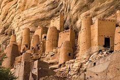 Cliff of Bandiagara (Land of the Dogons), Bandiagara Circle, Mopti Region, Mali. Inscription in 1989. Criteria: (v)(vii)