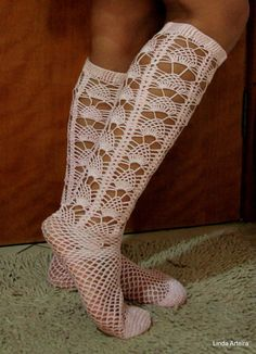 Meia Rendada de Crochê Esterlina nº 5 Socks, Fashion, Stockings, Zapatos, Moda, Fashion Styles, Sock, Fashion Illustrations