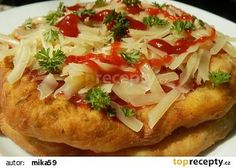 Langoše z cukety recept - TopRecepty.cz Low Carb Recipes, Vegan Recipes, Cooking Recipes, Czech Recipes, Ethnic Recipes, Healthy Diet Snacks, Pizza Appetizers, Italian Dishes, Food 52